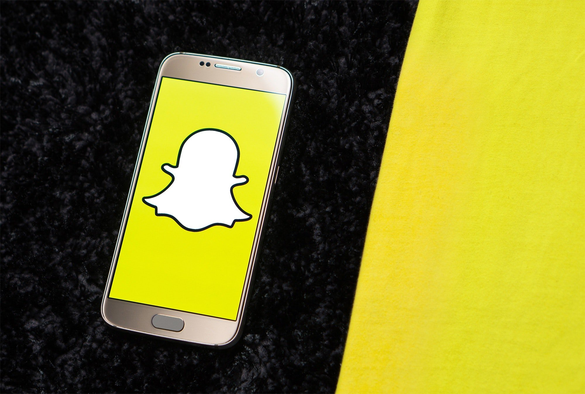 How to use snapchat to find out who is calling or texting you.
